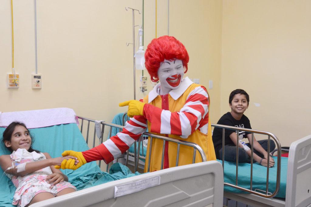 HGNI recebe Ronald McDonald