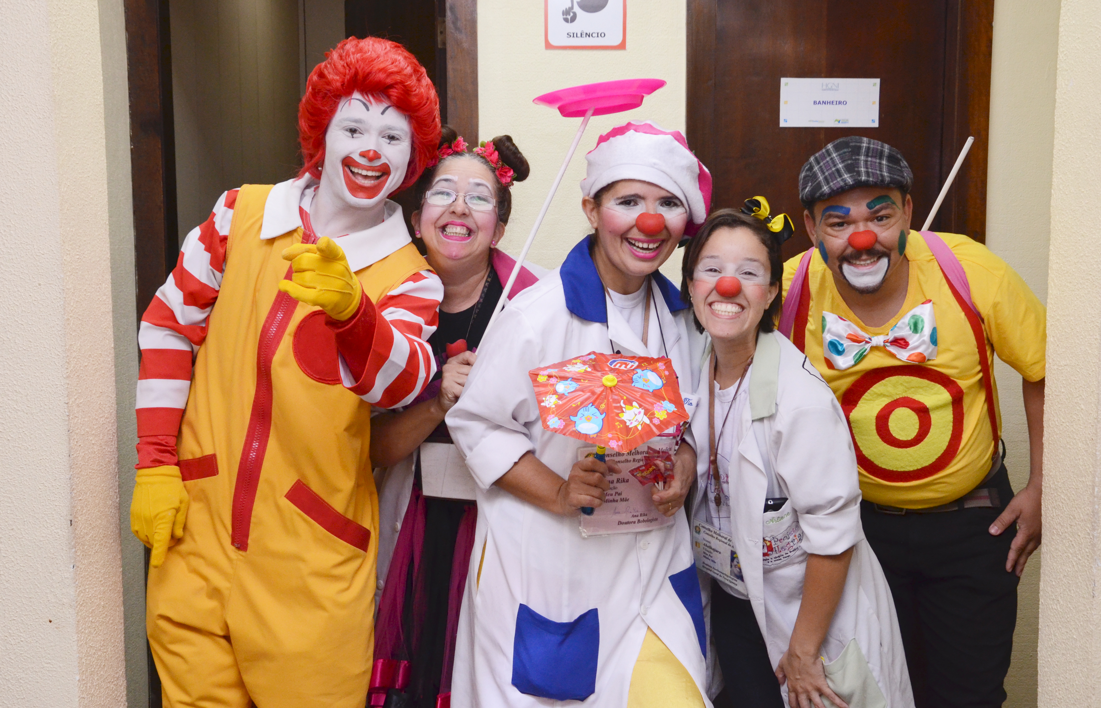 Ronald com os voluntários do projeto Alegria