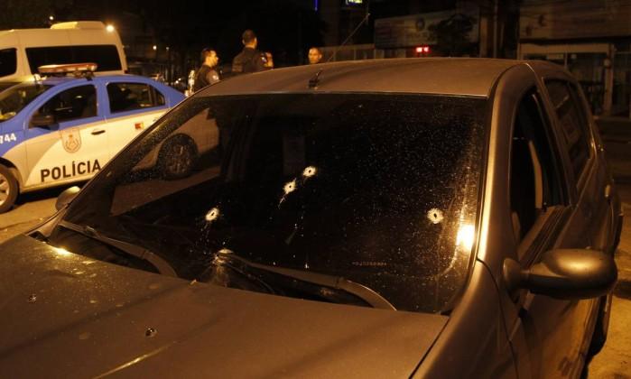 tiro_policial_bandido_mangueira