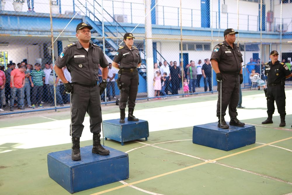 2 - Coronel Cláudia Lovain comandou a cerimônia