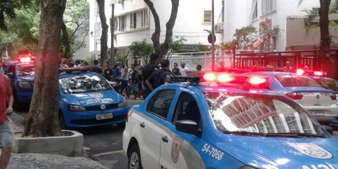 Polícia chegou a interditar a rua. Fofo: Divulgação