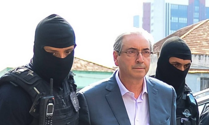 62226716_Curitiba-PR-20-10-2016Eduardo-Cunha-passou-por-exame-de-corpo-de-delito-no-IML-de-Curiti