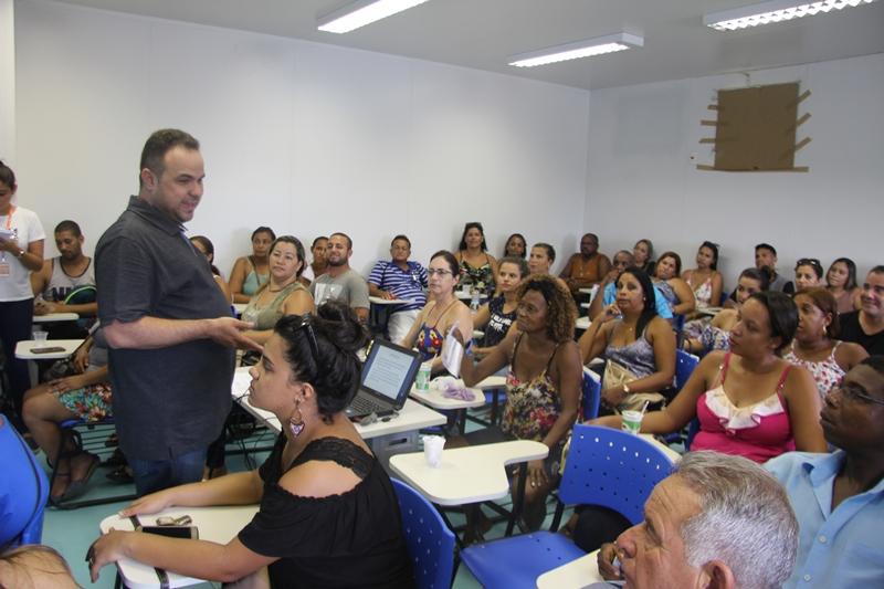 O secretário Denis Macedo fala sobre a importância do inspetor na unidade escolar