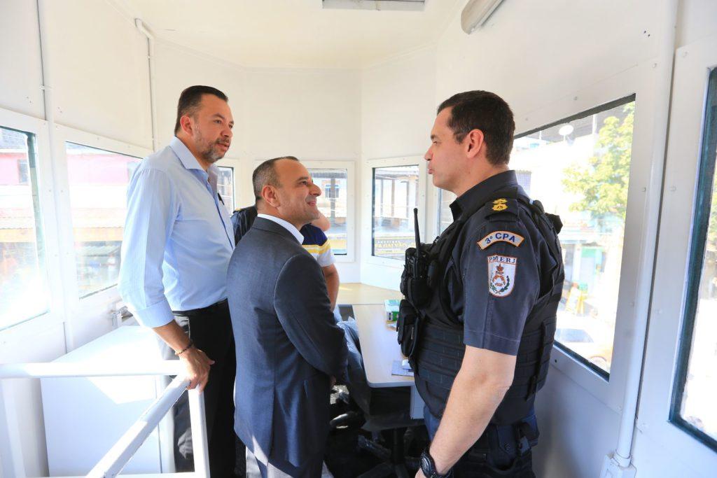 Segurança-07 - De acordo com o prefeito Waguinho, a cabina blindada oferecerá mais condições para se enfrentar a questão da segurança pública