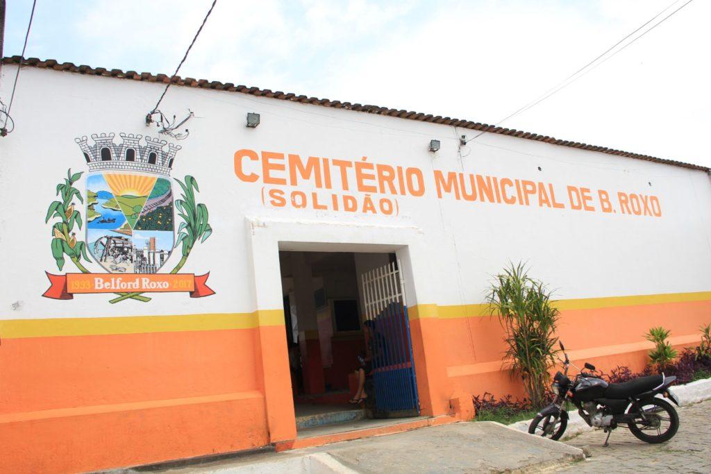 Cemitery-capa