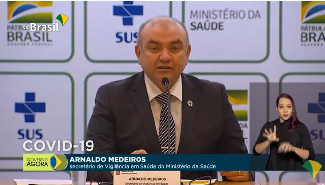 18 Arnaldo Medeiros