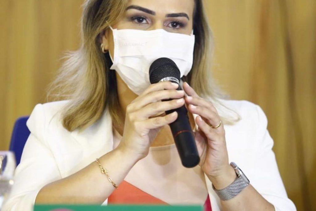 04 Daniela do Waguinho 01