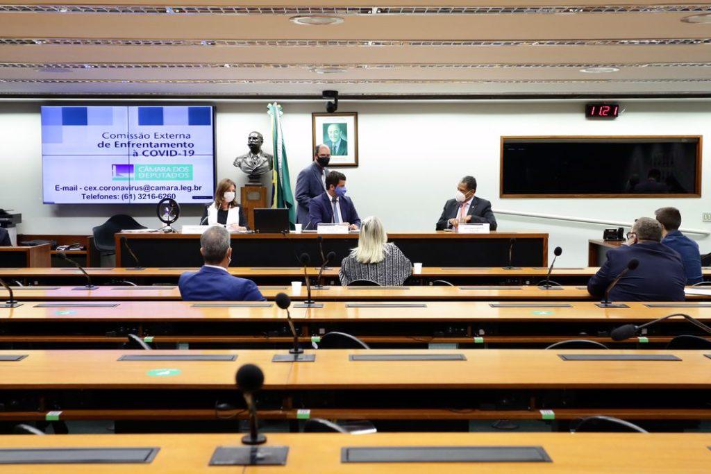 Reunião Técnica por Videoconferência – Testes de Diagnóstico para Covid-19 prestes a vencer. Dep. Carmen Zanotto (CIDADANIA - SC), dep. Dr. Luiz Antonio Teixeira Jr. (PP - RJ) e dep. Antonio Brito (PSD - BA)