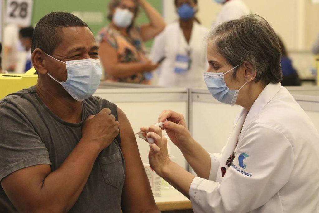 As doses devem ser suficientes para vacinar 5,3 milhões de pessoas/Rovena Rosa/Agência Brasil
