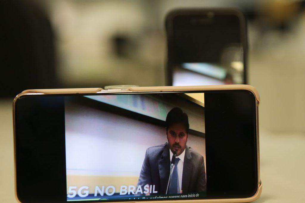 O ministro das Comunicações, Fábio Faria,concede entrevista coletiva na sede da Anatel,  sobre o edital de licitação para a implantação da tecnologia 5G no país/Reprodução