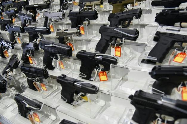 Medidas decretadas pelo presidente Jair Bolsonaro flexibiliza, o uso e a compra de armas de fogo e de munições no país/Reprodução