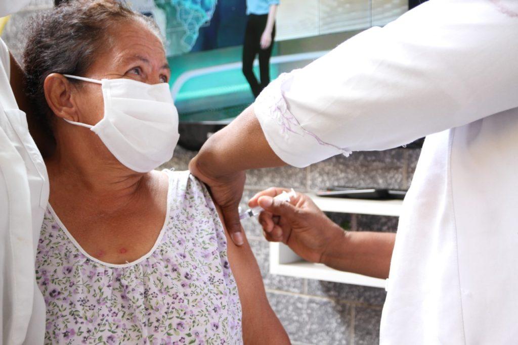 A imunização aconteceu no Nosso Lar, Casa de Idosos para Todos os Povos e Lar Geriátrico Brisa do Amanhã/Divulgação/PMBR