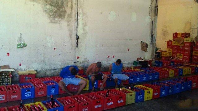 Três dos quatro presos em flagrante no local/Divulgação