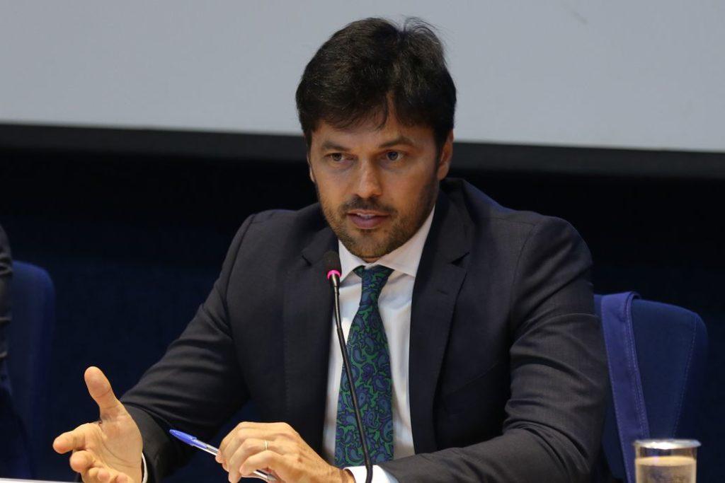 Ministro Fábio Faria disse que suprimento deve chegar no fim de semana/Marcello Casal Jr./Agência Brasil