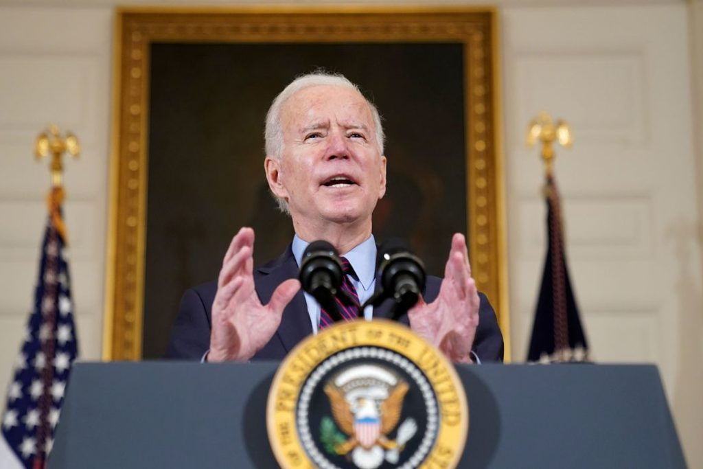 Biden inverteu medida com efeito imediato/Reuters/Kevin Lamarque/Direitos Reservados