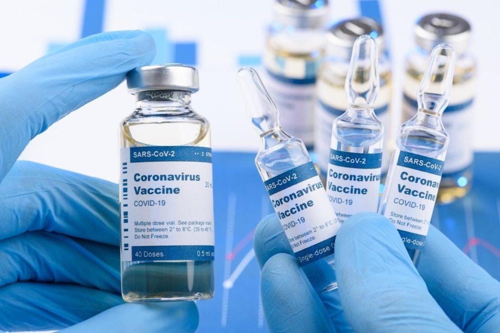 As vacinas serão divididas entre os estados. RJ deve receber 186 mil doses/ iStock/Reprodução