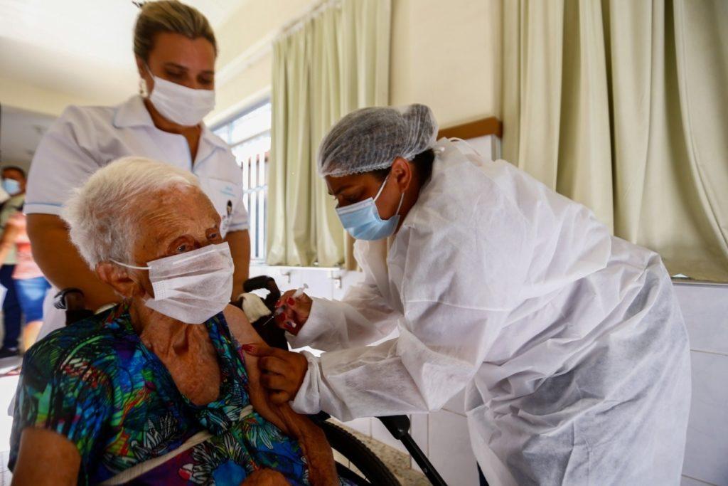 Prefeitura começa segunda fase da vacinação contra a Covid-19/Divulgação/PMBR