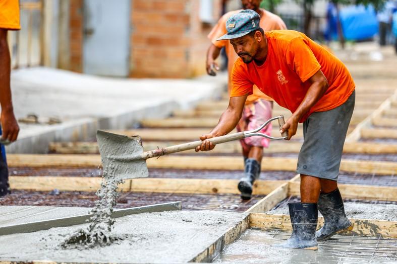 A Rua Catumbi está sendo concretada, melhorando assim a qualidade de vida dos moradores/ Rafael Barreto/PMBR