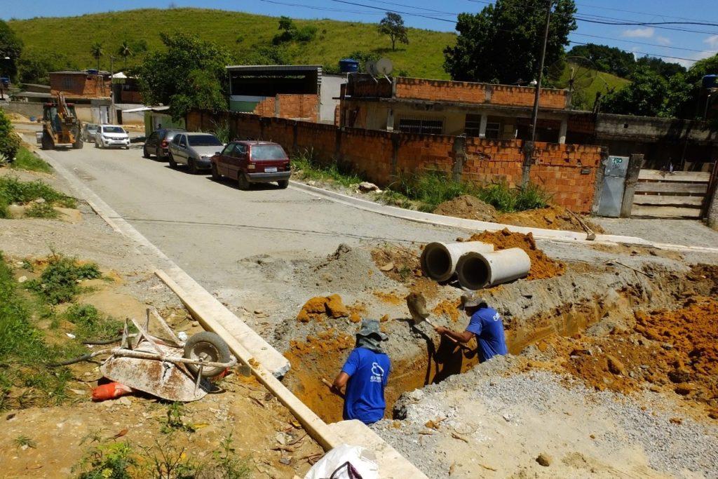 Operários trabalham a todo vapor para entregar as obras dentro do prazo/Renato Fonseca / PMNI