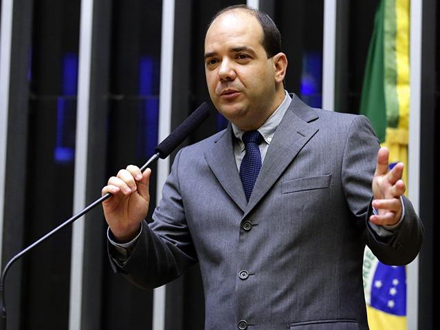 Deputado federal Sargento Gurgel (PSL-RJ): usuário com a mesma pena aplicada a traficante/Reprodução