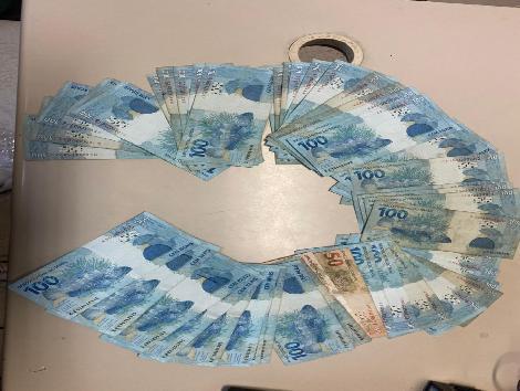 Autor é acusado de receber cartões de crédito pelos Correios em nome de terceiros/Divulgação/PCERJ
