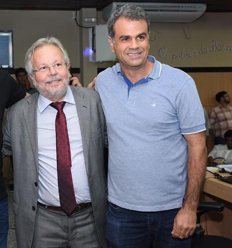 Duas caras da mesma escória: Luiz Martins será alçado ao cargo pelo prefeito Rogério Lisboa/Reprodução