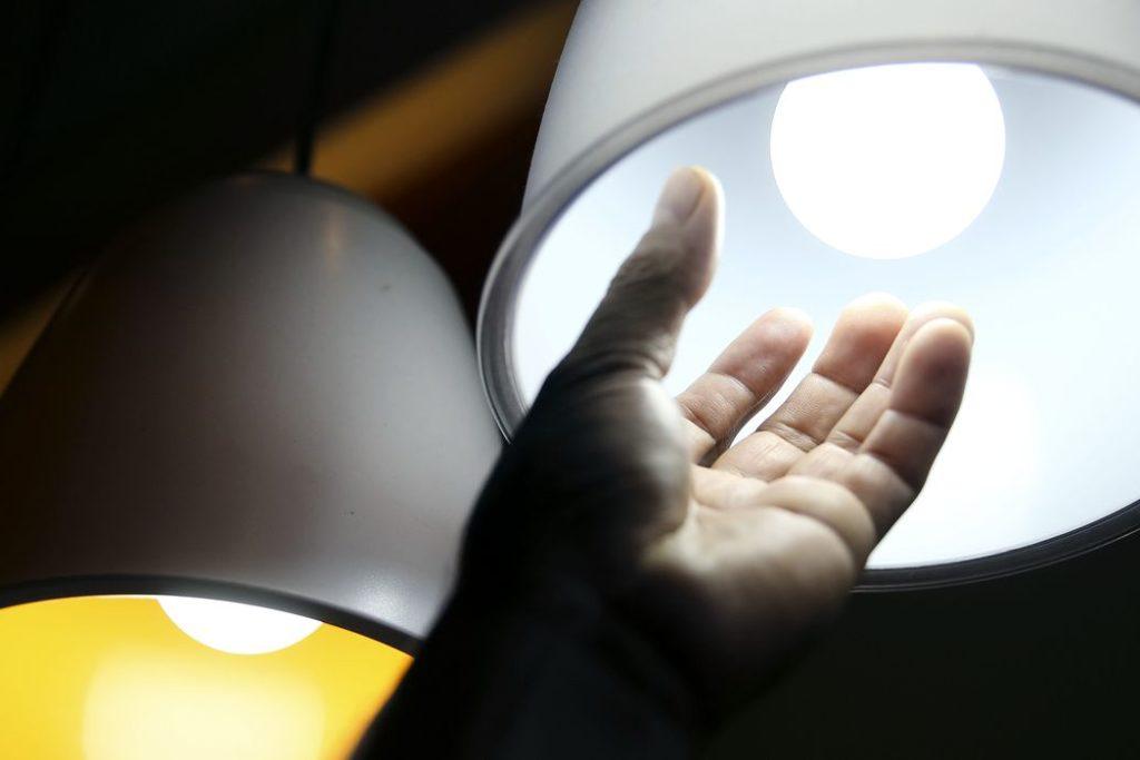 O consumo de energia elétrica no país fechou os primeiros três meses do ano com queda acumulada de 4,2% em relação ao mesmo período do ano passado (Marcelo Camargo/Agência Brasil)