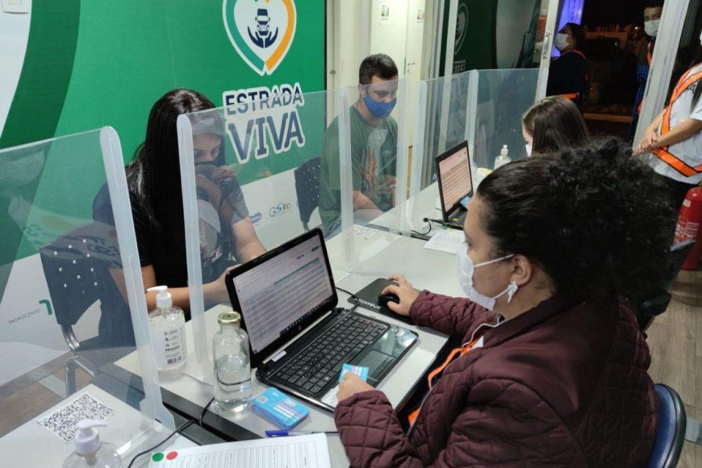 Motoristas que passarem pela carreta receberão kits de higiene e de prevenção à Covid-19/Divulgação