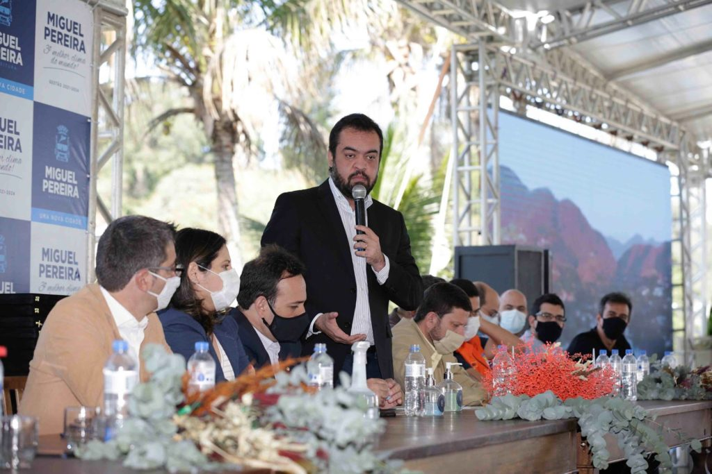 O governador Cláudio Castro, participa do fórum de gestão pública do enfrentamento da pandemia de COVID-19/Divulgação/Governo do RJ