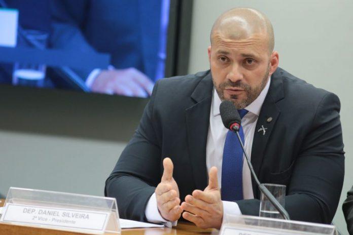 Daniel Silveira, preso na noite da última quinta-feira, tentou fugir durante a ação/Plínio Xavier/Câmara dos Deputados