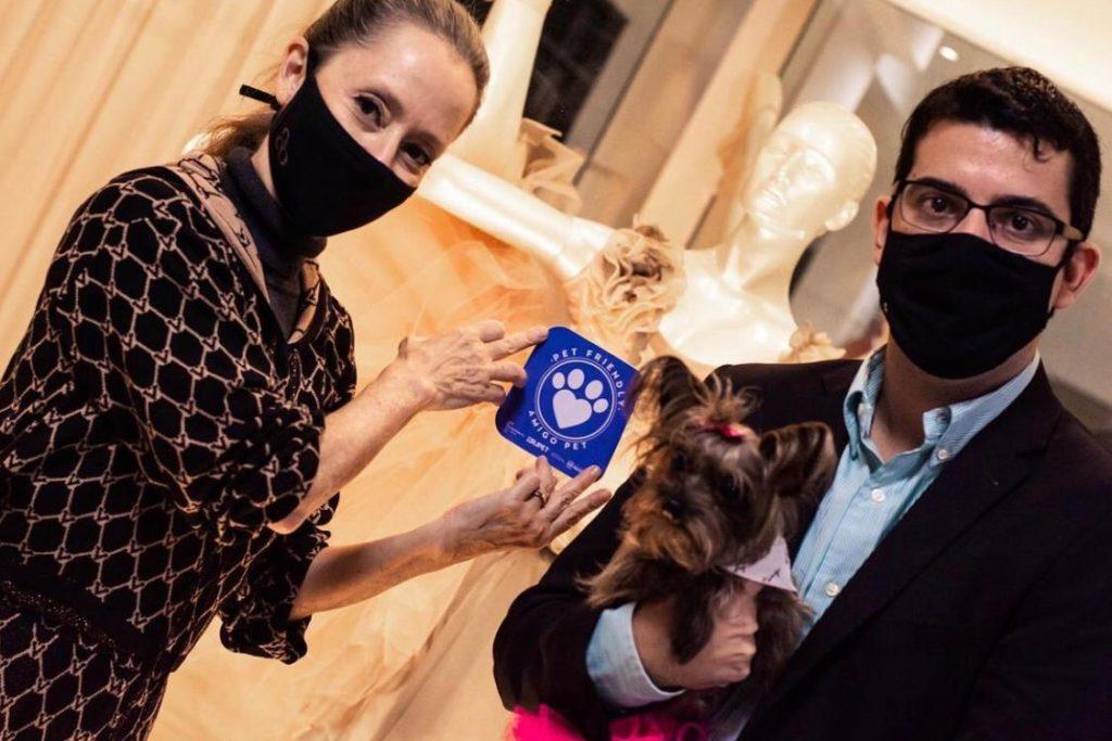 A bailarina Ana Botafogo incluiu uma linha exclusiva específica para pets/Divulgação/Governo do RJ
