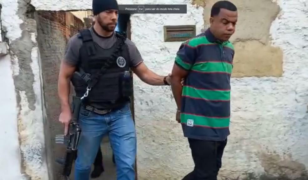 Júlio Cesário do Nascimento, acusado de lesão corporal gravíssima, foi detido em São João de Meriti/Reprodução