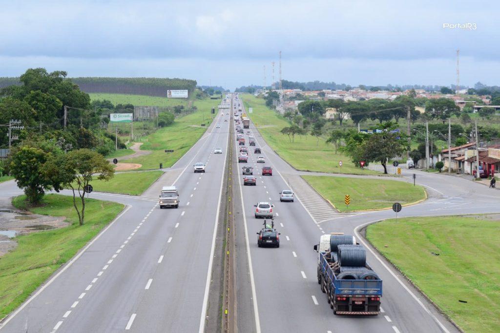 Leilão da BR-116 que liga as cidades de São Paulo e Rio de Janeiro está previsto para outubro/Reprodução