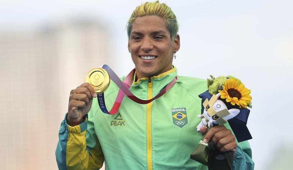 Nadadora é a oitava atleta do país a subir ao pódio na edição japonesa/Júlio César Guimarães/COB/Direitos Reservados
