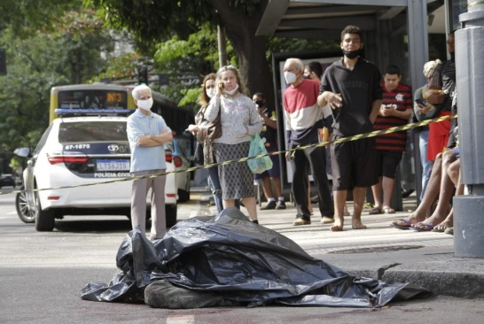 Um dos suspeitos morreu no local atacar vítima/Marcos Porto/ Agência O DIA