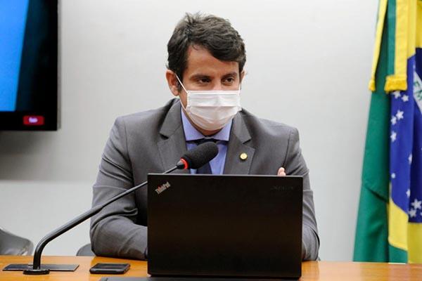 Dr. Luizinho (PP-RJ) vai ouvir representantes do Programa Nacional de Imunização (PNI)/Divulgação