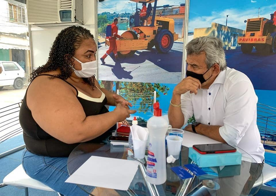 Prefeito Dr. João participa de uma das edições do programa/Divulgação/PMSJM