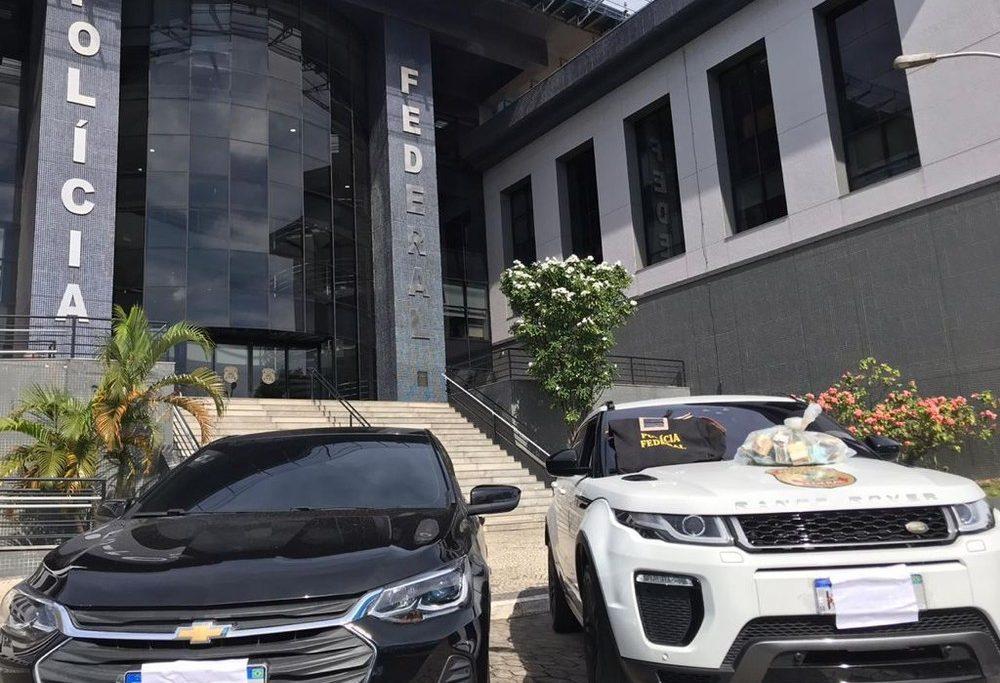 Carros de luxo apreendidos pela PF na Operação Tamoios/Reprodução/TV Globo