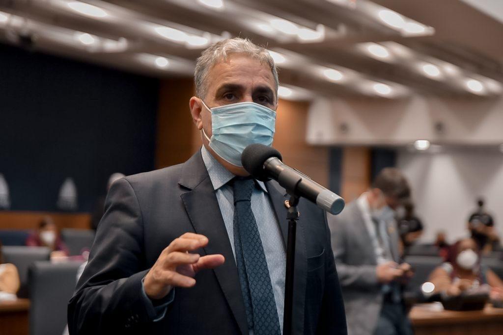 Deputado André Ceciliano (PT) falou sobre o conjunto de medidas enviadas pelo Governo do RJ/Julia Passos/Divulgação