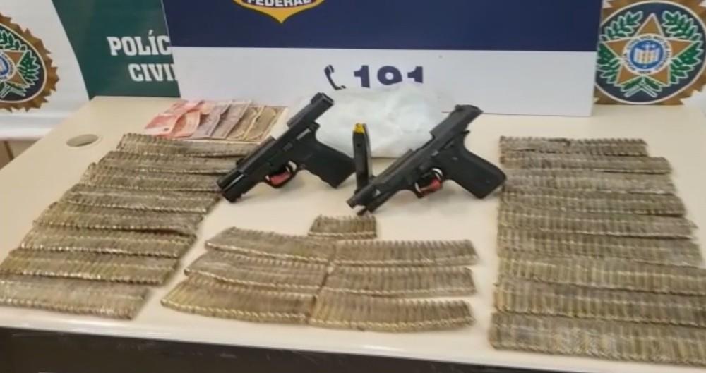 O farto material apreendido pelos agentes da Polícia Rodoviária Federal, na Dutra/Divulgação