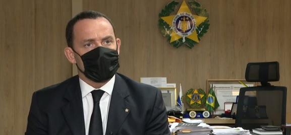 Secretário de Polícia Civil, Allan Turnowski, explica a conclusão das investigações/Reprodução/G1