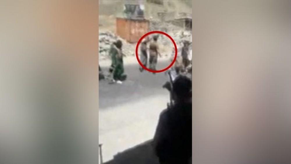Momentos depois, Abdul Sami, visto no círculo, foi morto a tiros/BBC