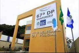 Agentes da delegacia de Guapimirim prenderam o criminoso que foi reconhecido pela vítima/Reprodução