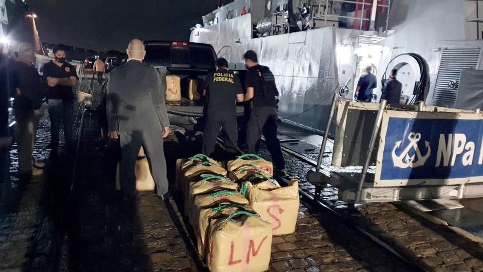 O veleiro Lamia, que tem bandeira do Panamá, estava carregado com 632,65 kg da droga/Divulgação/PF