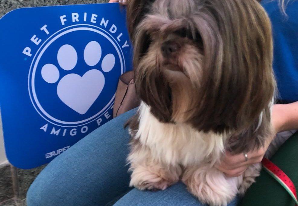 O selo PET FRIENDLY foi concedido a cerca de 2 mil estabelecimentos no Estado/Divulgação/RJPET